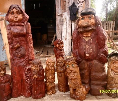 Декоративные фигурки из дерева
